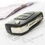 Vertrag und Autoschlüssel-2