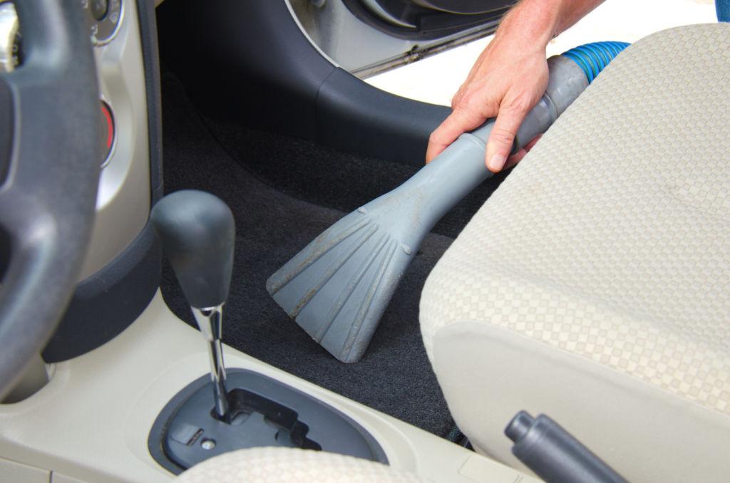 Mit dem richtigen Staubsauger und der richtigen Technik ist Ihr Wagen in Handumdrehen wieder sauber. © mokee81 - Fotolia